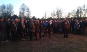 Ett hundratal vamlingar och tillresta lyssnade på vårtal och sång.